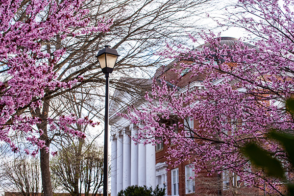 Lynchburg announces in-person Commencement for classes of 2021, 2020