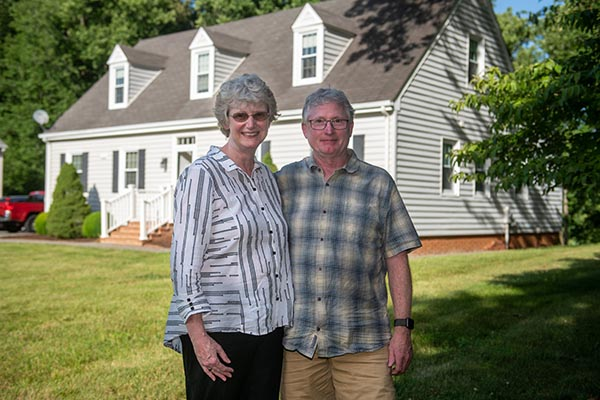 Lynchburg president and first gentleman start scholarship with $25K gift