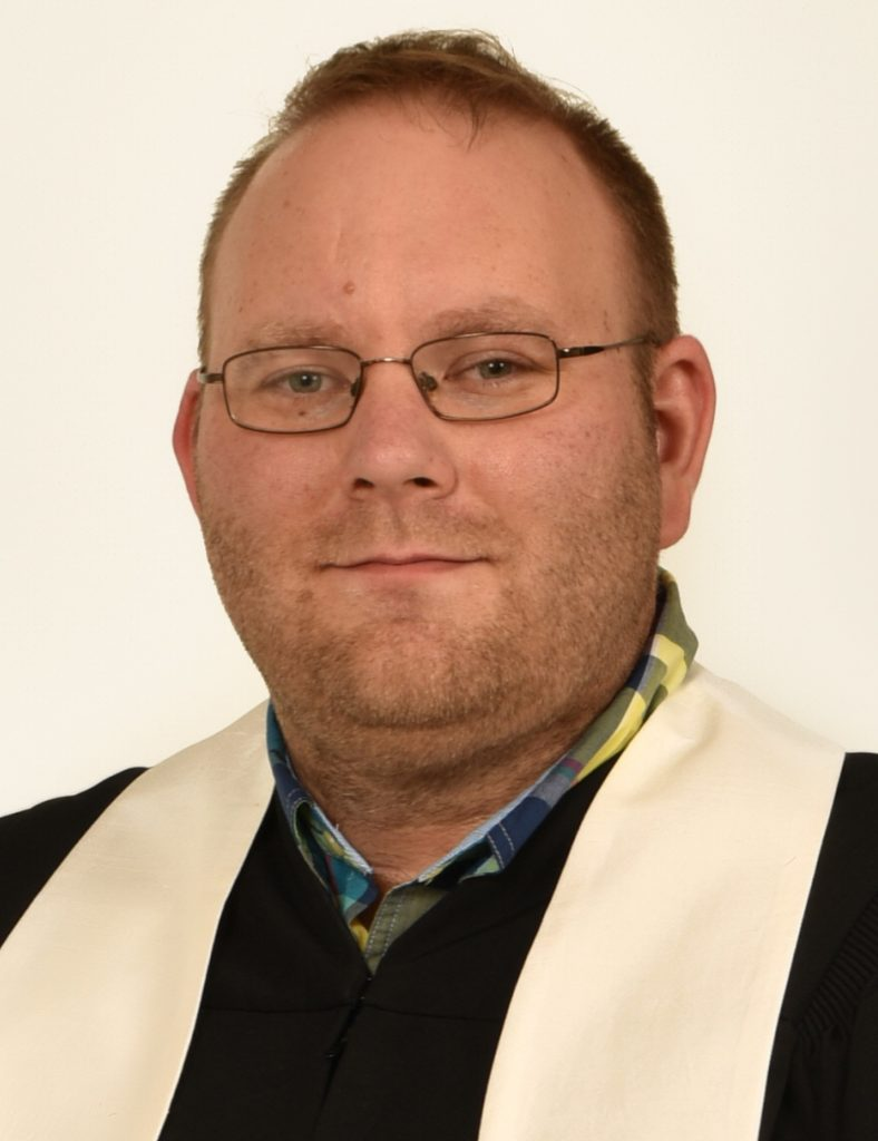 '03 graduate to deliver baccalaureate address