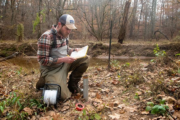 Environmental science major wins Virginia Academy of Science award for hydrology research