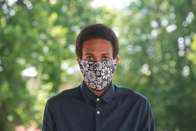 Desmond Mosby in face mask