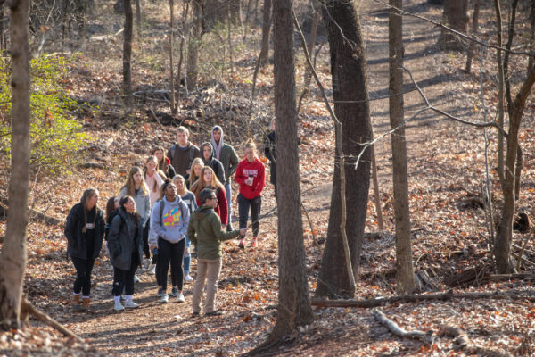 DELL class for first-years delves into nature