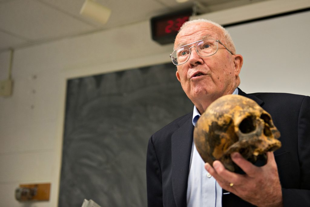 Anthropologist William Bass to talk about gravesite excavations