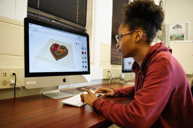 Jessica Matthews designs a project to print on a 3D printer