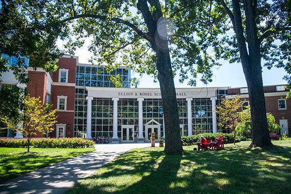 Longtime Lynchburg communication studies professor wins national award