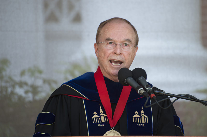 Dr. Garren speaks at commencement