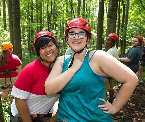 students on the ropes challenge course