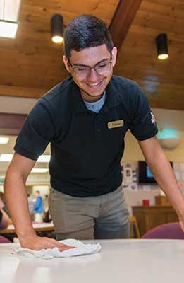 Student employee working in the Dining Hall