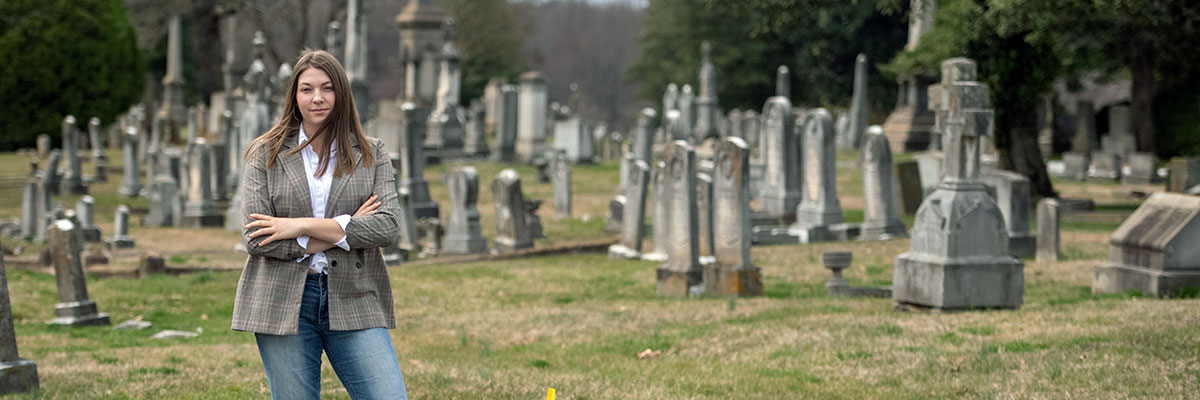 Alexa Watkin '23, a history major with minors in German and museum studies, conducted research at Presbyterian Cemetery