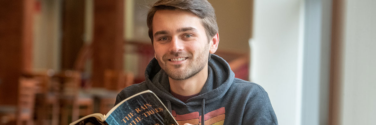 Hiatt O'Connor '20, philosophy-political science major and creative writing minor